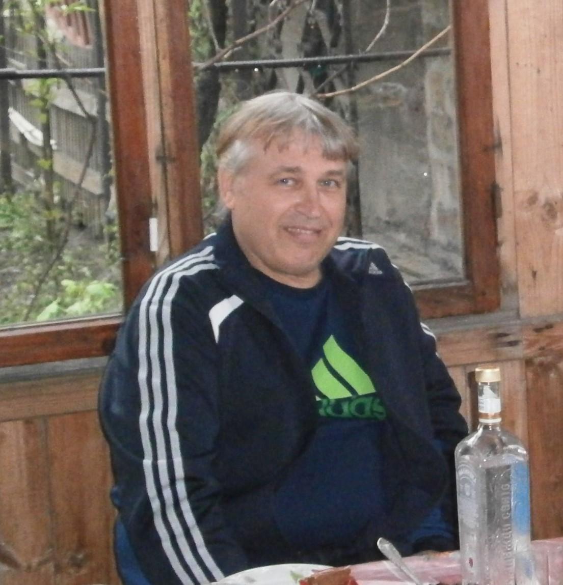 Фото Олега Попова с барбекю